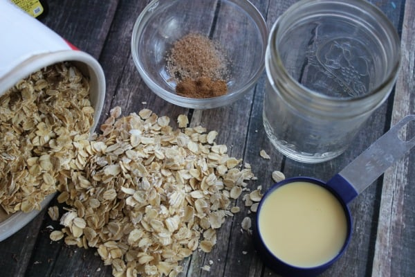 eggnog-overnight-oatmeal-ingredients