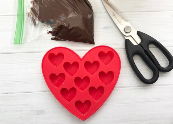 How to make chocolate hearts